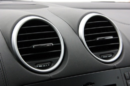 mercedes-benz-ml63-amg-interior-air-conditioner-16